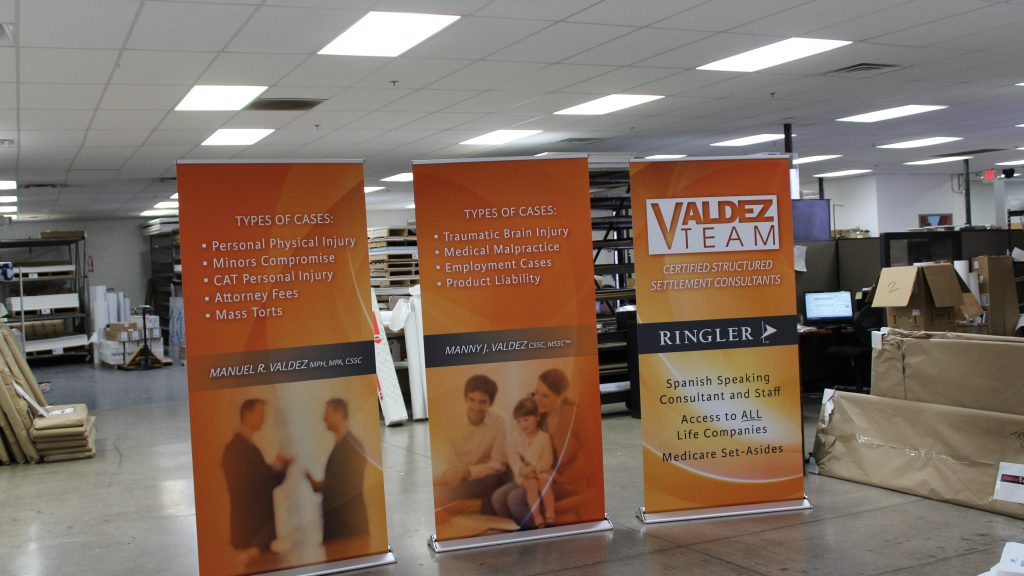 Retractable Pop Up Banner Stands Smooth Vinyl or Fabric